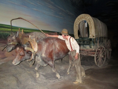 IMG_1708 covered wagon diaorama