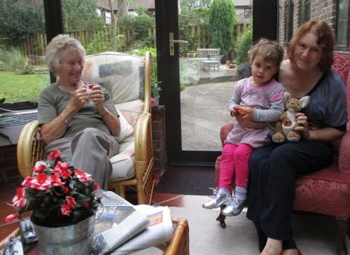 IMG_6442 Margaret & Bronwyn & Lila