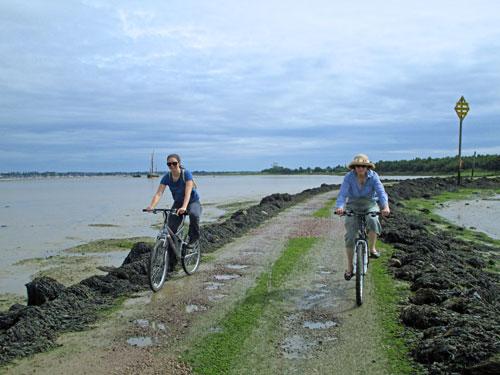 IMG_4914-Margaret-and-Anita-Northy-Island-web